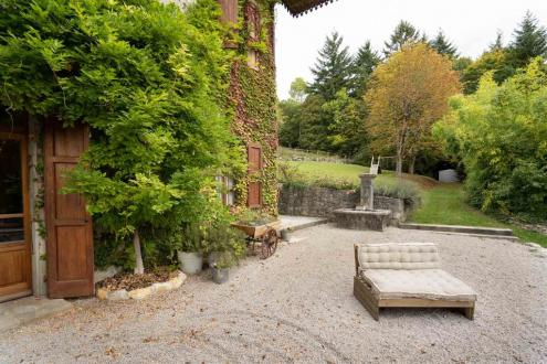 Luxe Domein  te huur BONNEVILLE, 375 m², 5 Slaapkamers, 4000€/maand