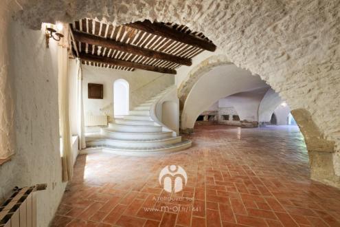 Maison de luxe à vendre EYGUIERES, 400 m², 4 Chambres, 649000€