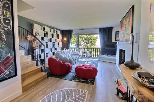 Квартира класса люкс на продажу  Довиль, 107 м², 3 Спальни, 550000€