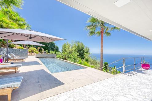 Дом класса люкс на продажу  Эз, 300 м², 4 Спальни, 5750000€