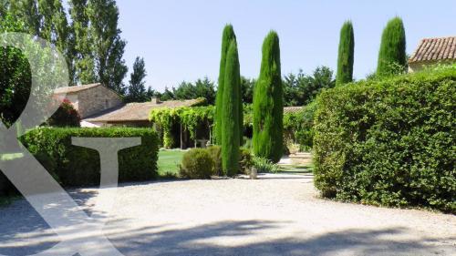 Maison de luxe à vendre EYGALIERES, 268 m², 6 Chambres, 2300000€