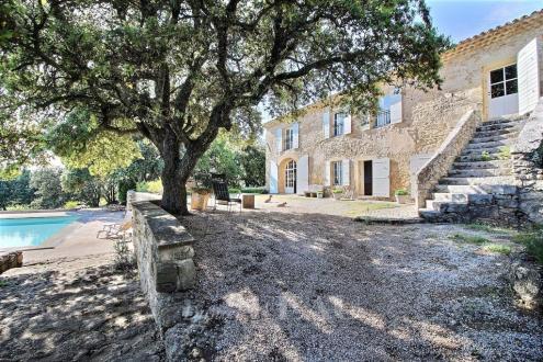 Maison de luxe à vendre ROGNES, 320 m², 5 Chambres, 1835000€