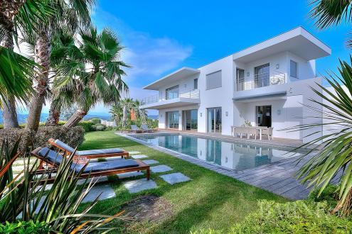 Дом класса люкс в аренду Канны, 400 м², 4 Спальни,