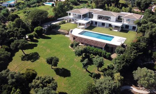 Maison de luxe à vendre GRIMAUD, 360 m², 6 Chambres, 9950000€