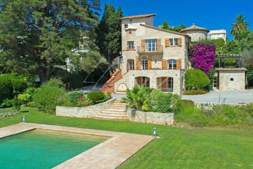 Maison de luxe à louer CAP D'ANTIBES, 300 m², 6 Chambres,