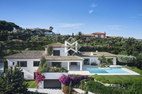 Вилла класса люкс на продажу  Сент-Максим, 320 м², 5 Спальни, 3800000€