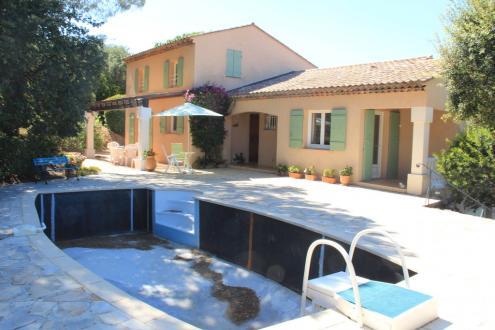 Villa de luxe à vendre SAINTE MAXIME, 118 m², 4 Chambres, 698000€