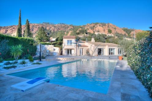 Luxus-Haus zu verkaufen SAINT RAPHAEL, 160 m², 4 Schlafzimmer, 1250000€
