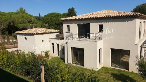 Villa de luxe à vendre SAINT TROPEZ, 230 m², 5 Chambres, 3800000€