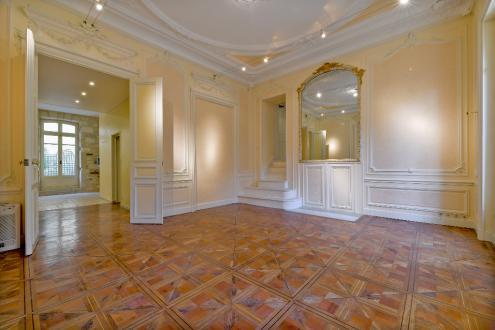 Квартира класса люкс на продажу  Авиньон, 257 м², 3 Спальни, 790000€