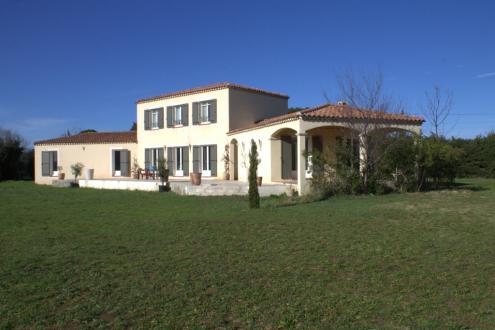 Luxus-Haus zu verkaufen ARLES, 3 Schlafzimmer, 693000€