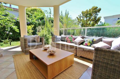 Luxury Apartment for sale CAP D'ANTIBES, 75 m², 2 Bedrooms, €850000