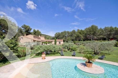Maison de luxe à vendre LES BAUX DE PROVENCE, 347 m², 5 Chambres, 3990000€