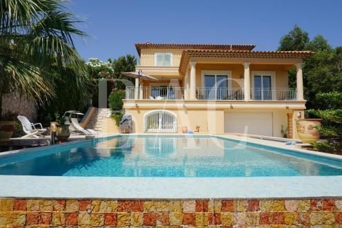 Villa de luxe à vendre SAINT AYGULF, 250 m², 5 Chambres, 1495000€