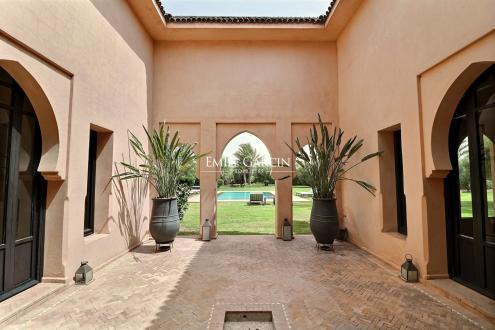 Maison de luxe à vendre MARRAKECH, 350 m², 5 Chambres, 850000€