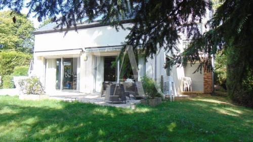 Maison de luxe à vendre VAUCRESSON, 300 m², 6 Chambres, 1850000€