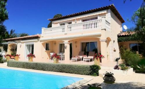 Maison de luxe à vendre SANARY SUR MER, 153 m², 3 Chambres, 1150000€