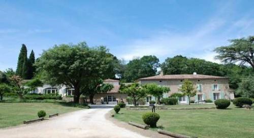Maison de luxe à vendre UZES, 800 m², 6 Chambres, 949000€