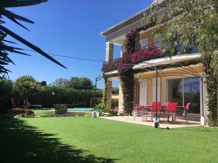 Luxury Villa for sale CARQUEIRANNE, 220 m², 6 Bedrooms, €1285000