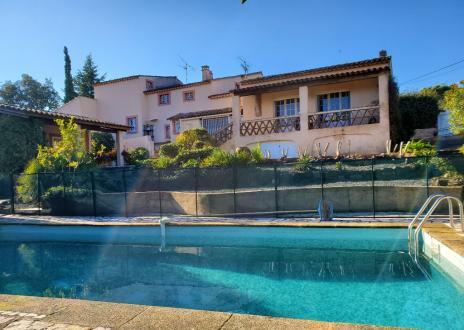Villa di lusso in vendita FREJUS, 210 m², 4 Camere, 650000€