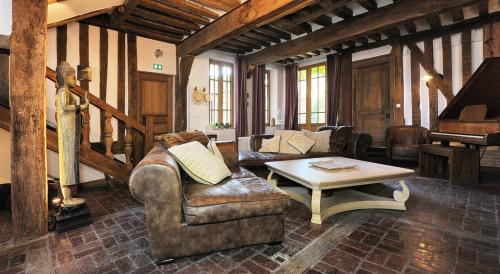 Luxury House for sale CONCHES EN OUCHE, 6 Bedrooms, €710000