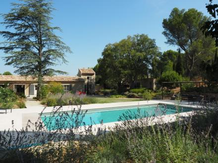 Luxury House for rent FONTVIEILLE, 350 m², 7 Bedrooms,