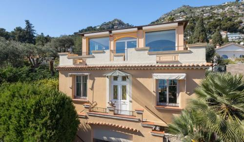 Luxury Villa for sale EZE, € 1 490 000