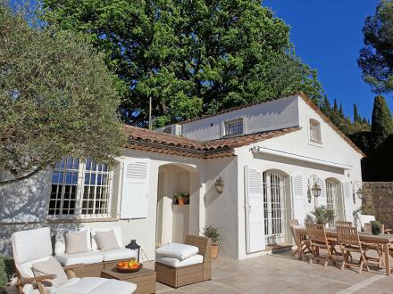 Luxus-Haus zu verkaufen MOUGINS, 150 m², 3 Schlafzimmer, 1060000€