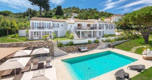 Вилла класса люкс на продажу  Сен-Тропе, 430 м², 12500000€