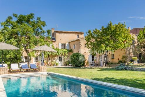 Luxe Farm te koop ROUSSILLON, 334 m², 7 Slaapkamers, 1445000€