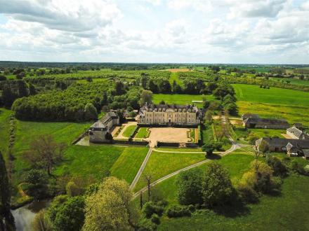 Château / Manoir de luxe à vendre LAVAL, 1200 m², 7 Chambres, 3990000€