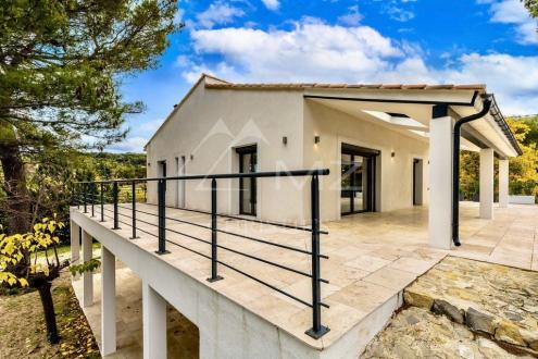 Дом класса люкс на продажу  Экс-Ан-Прованс, 202 м², 4 Спальни, 1390000€