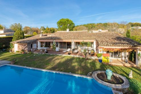 Luxury Property for sale VALBONNE, 300 m², 5 Bedrooms, €1595000