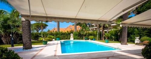 Luxus-Haus zu vermieten CAP D'ANTIBES, 400 m², 5 Schlafzimmer,