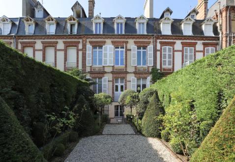Дом класса люкс на продажу  Довиль, 291 м², 6 Спальни, 2950000€