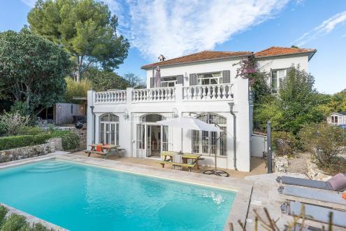 Villa de luxe à vendre CAP D'ANTIBES, 225 m², 4 Chambres, 2950000€