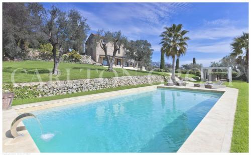 Luxus-Haus zu vermieten MOUGINS, 366 m², 4 Schlafzimmer
