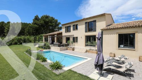 Maison de luxe à vendre PARADOU, 220 m², 4 Chambres, 1495000€