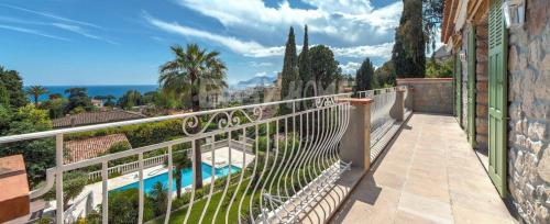 Luxury Villa for sale CANNES, 350 m², 4 Bedrooms, €4750000