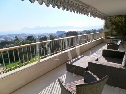 Квартира класса люкс на продажу  Канны, 112 м², 2 Спальни, 1450000€
