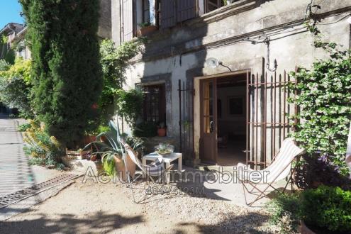 Villa di lusso in vendita EYGALIERES, 141 m², 3 Camere, 650000€