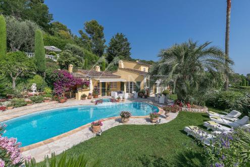 Luxe Villa te koop MOUGINS, 211 m², 4 Slaapkamers, 1590000€