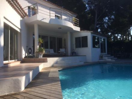 Luxus-Haus zu verkaufen SANARY SUR MER, 255 m², 4 Schlafzimmer, 1442000€