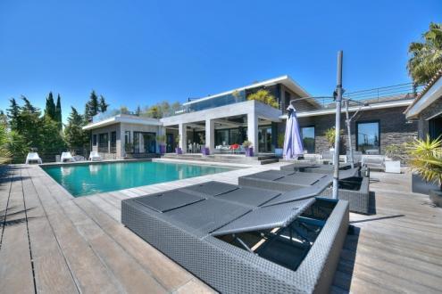 Maison de luxe à vendre SAINT RAPHAEL, 488 m², 6 Chambres, 3390000€