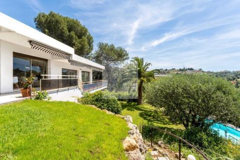 Вилла класса люкс на продажу  Кань-Сюр-Мер, 370 м², 5 Спальни, 1690000€