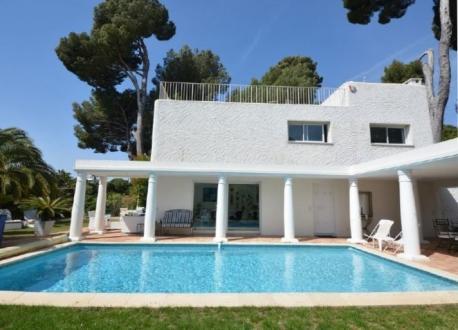 Maison de luxe à louer CAP D'ANTIBES, 180 m², 5 Chambres, 6500€/mois