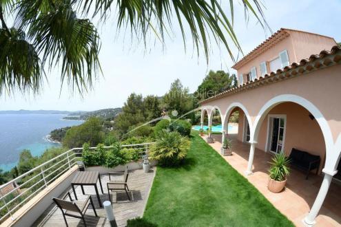 Maison de luxe à vendre LE LAVANDOU, 280 m², 4 Chambres, 2756000€