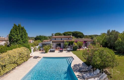 Maison de luxe à vendre SAINT TROPEZ, 360 m², 8 Chambres, 5950000€