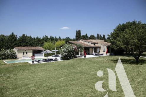 Дом класса люкс на продажу  Сен-Реми-Де-Прованс, 195 м², 1030000€