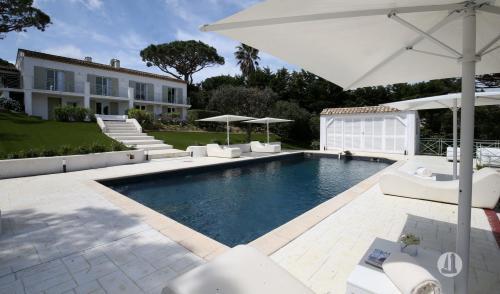 Villa de luxe à vendre RAMATUELLE, 225 m², 6 Chambres